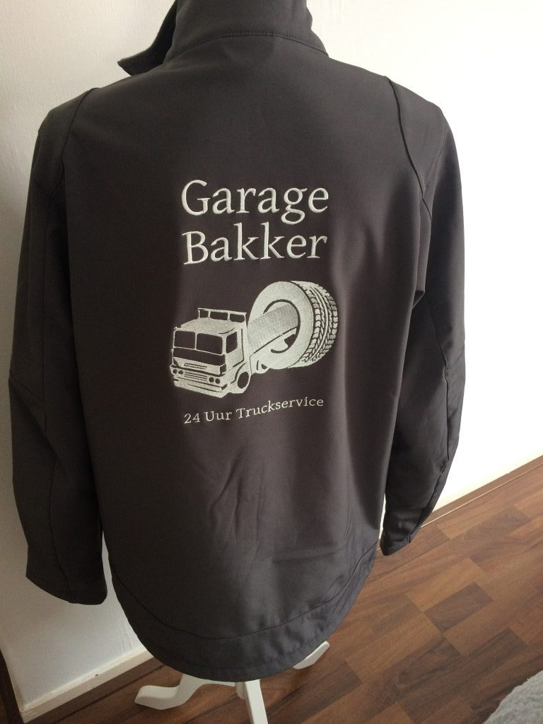Bedrijfskleding, Softshell met bedrijfslogo, garage Bakker, door ZijHaven3, borduurstudio Lemmer
