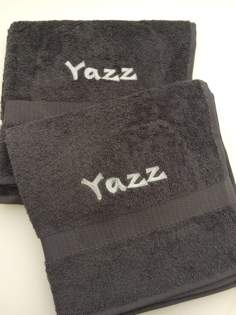 Watersport, Boat towels with name, by ZijHaven3, borduurstudio Lemmer