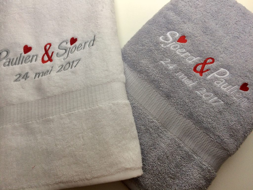 Gift idea, towels for special events embroidered with name and date, by ZijHaven3, borduurstudio Lemmer