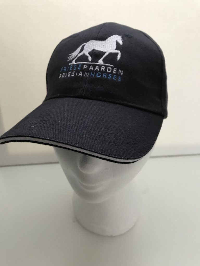 Paardensport, Voorbeeld cap met logo van Friese Paarden / Friesian Horses, van ZijHaven3,bordurrstudio Lemmer