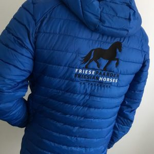 Equestrian sport, quilted mens jacked, cobalt blue, , Friese Paarden / Friesian Horses, by ZijHaven3, borduurstudio Lemmer