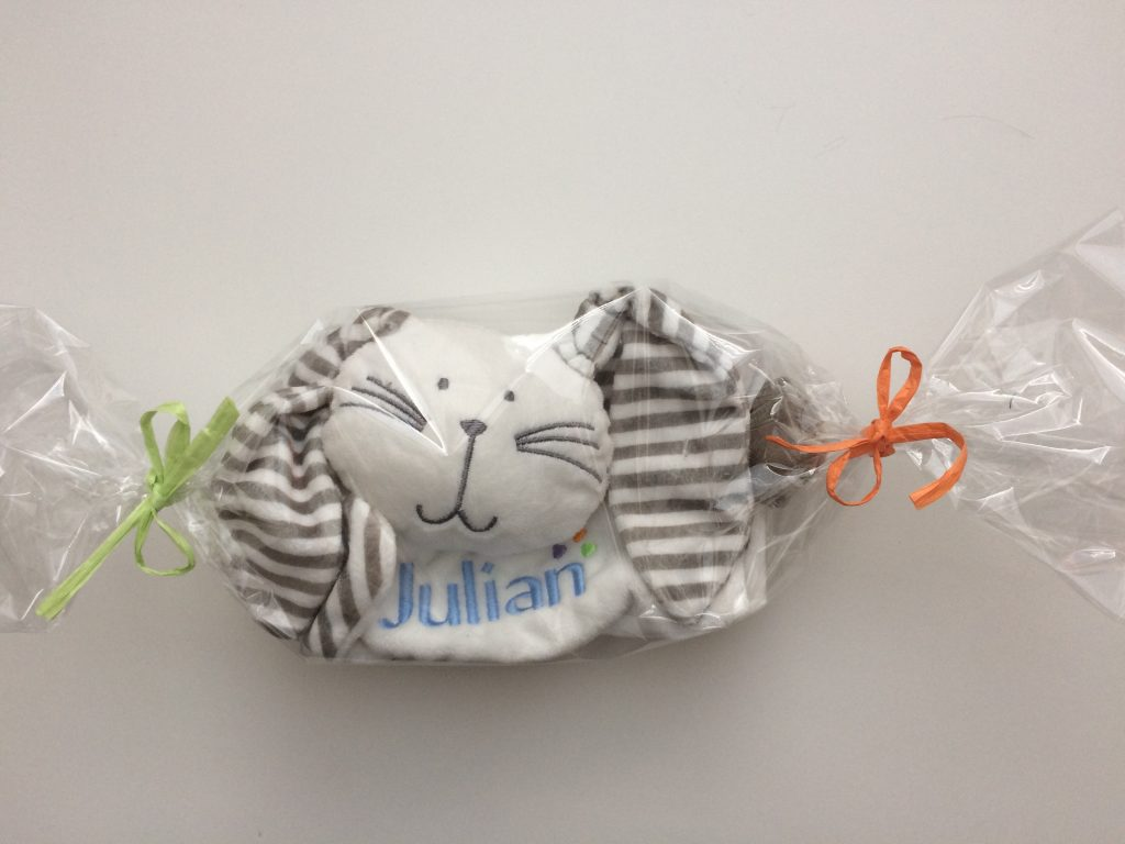 Gift idea, childs toy with emroidered name, by ZijHaven3, borduurstudio Lemmer