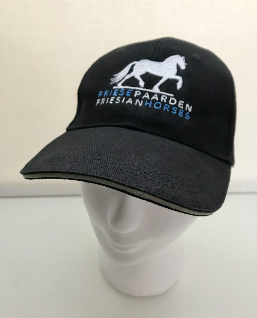 Paardensport, cap met logo van Friese Paarden / Friesian Horses, van ZijHaven3,borduurstudio Lemmer