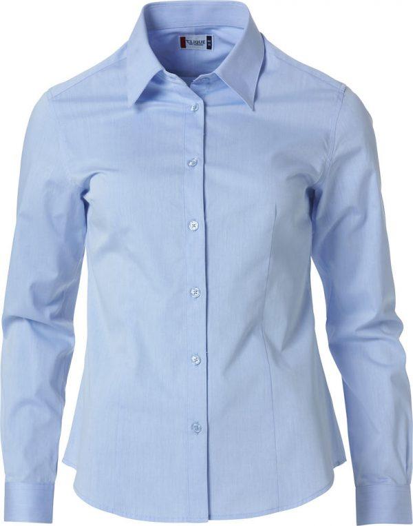 Dames shirt, licht blauw, vooraanzicht, met logo Fries Paarden / Frisian Horses door ZijHaven3, borduurstudio Lemmer
