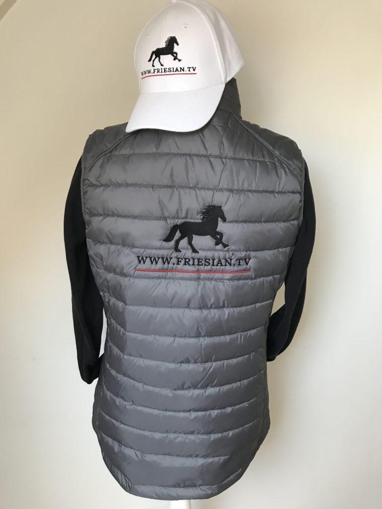 Equestrian sports, vest and cap, by ZijHaven3, borduurstudio Lemmer