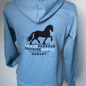 Zipped Hoody ladies, light blue, with logo Friese Paarden / Friesian Horsen, by ZijHaven3, borduurstudio Lemmer