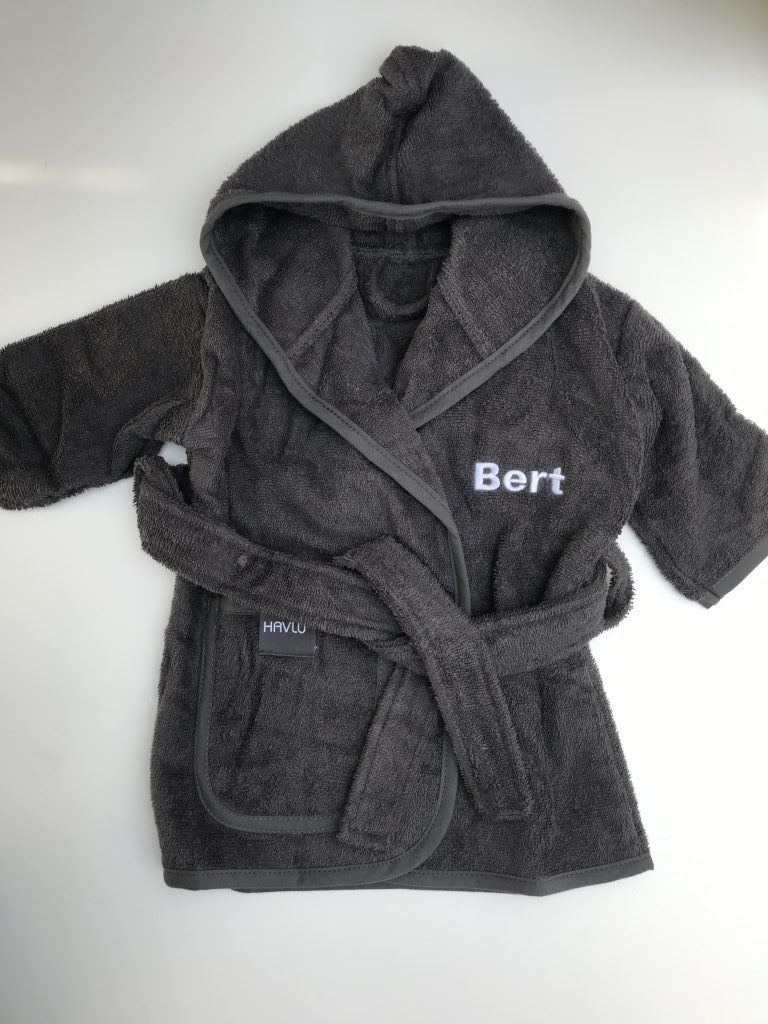 Gift idea, children's robe by ZIjHaven3 borduurstudio Lemmer