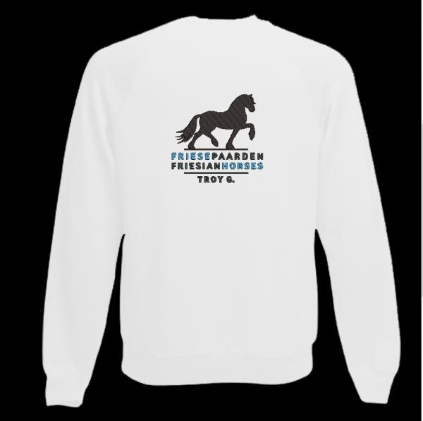 Sweater wit met logo Friese Paarden / Fresian Horses door ZijHaven3, borduurstudio Lemmer