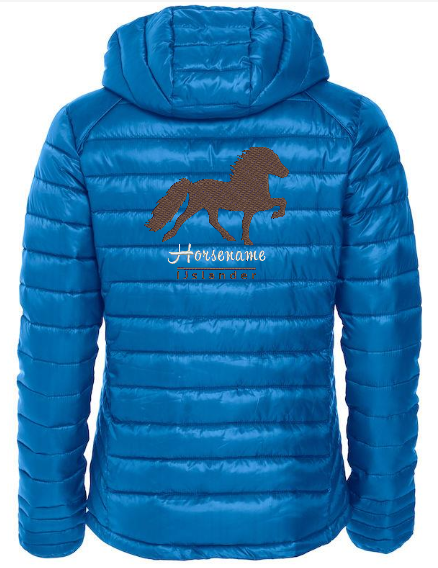 Personalised fitted quilted jacket, ladies, cobalt blue, with logo Icelandic Horse embroidered on the back, by ZijHaven 3, borduurstudio Lemmer