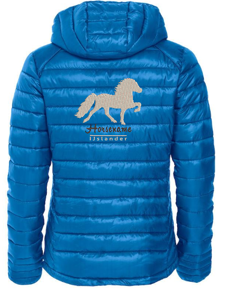 Personalised fitted quilted jacket, cobalt blue, with logo Icelandic Horse embroidered on the back, by ZijHaven 3, borduurstudio Lemmer